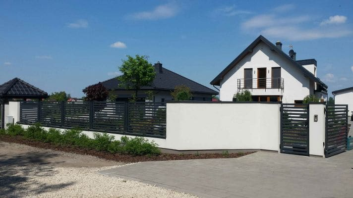 Dom jednorodzinny w m. Strzelcew ogrodzenie scalia gallery metro - Nasze<br> budowy